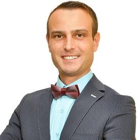 Ведущий Сергей Розванов