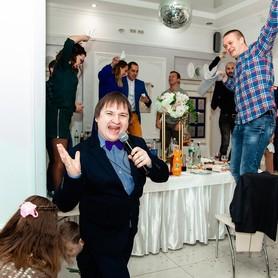 Творческий дуэт ведущих Y&Y Event Agency - ведущий в Киеве - портфолио 6