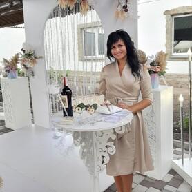 Анастасия Животенко - ведущий в Черкассах - портфолио 1