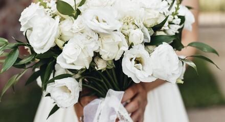Свадебный букет и бутоньерка в подарок