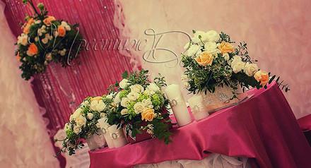Декор зала кременчуг цветами и тканями
