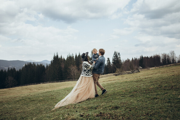 Love in the mountains - фото №2