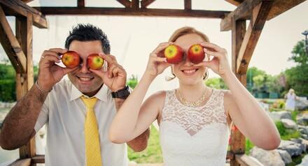 Заказав сьмку свадьбы в период акции получаете в подарок мини фотокнигу. 15х15 см на 7 разворотов