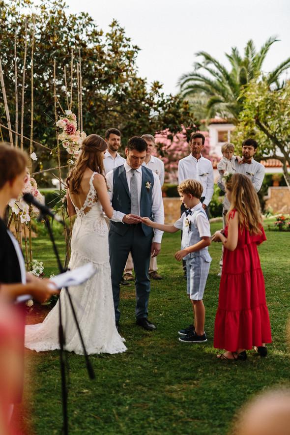 Красивая испанская свадьба на побережье - фото №44
