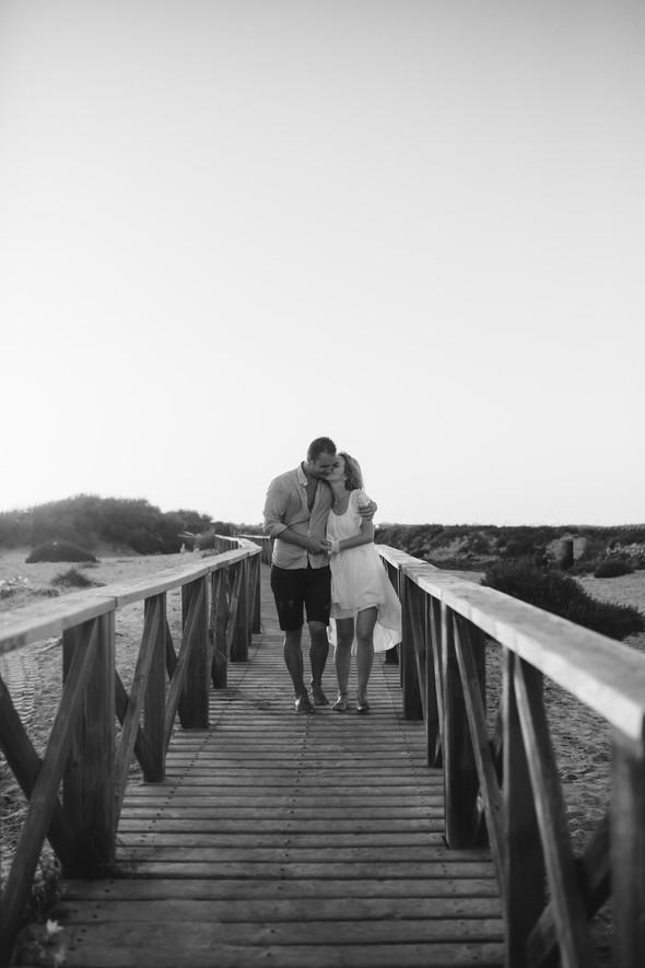 Пляжная послесвадебная съемка и Испании - фото №48