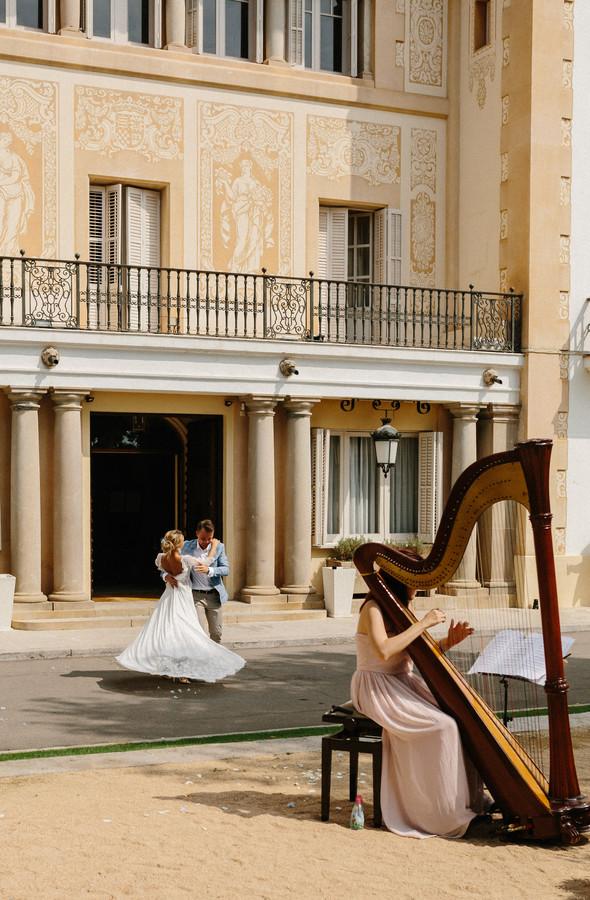 Испанская семейная свадьба на вилле недалеко от Барселоны - фото №41