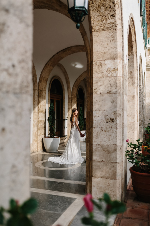 Красивая испанская свадьба на побережье - фото №65