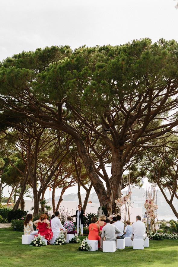 Красивая испанская свадьба на побережье - фото №34