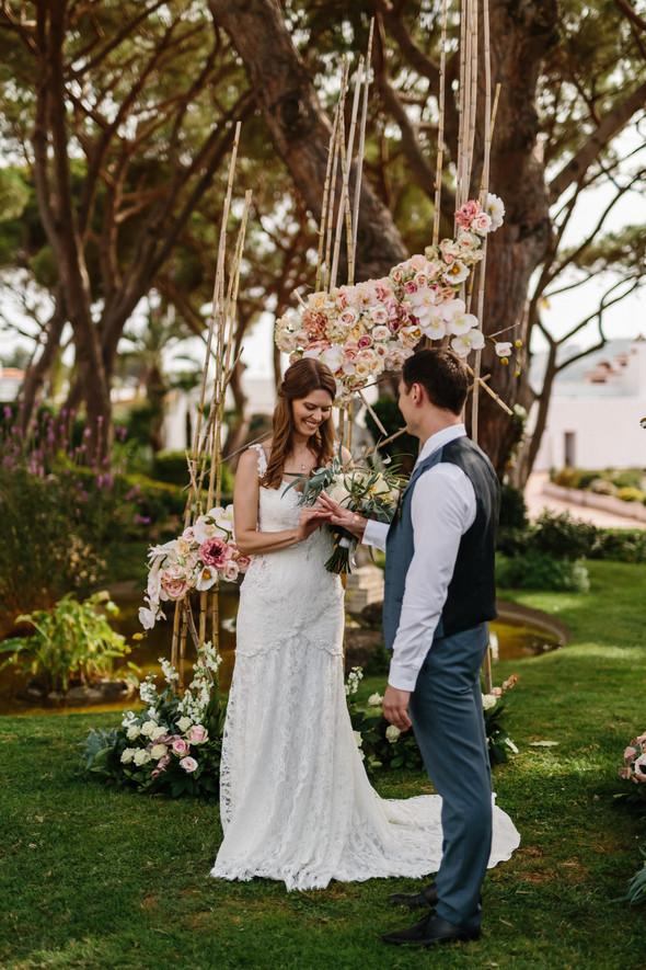 Красивая испанская свадьба на побережье - фото №49