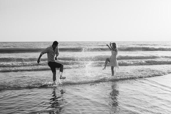 Пляжная послесвадебная съемка и Испании - фото №15