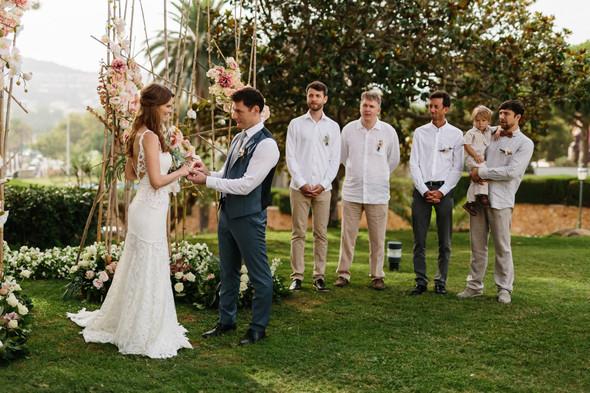 Красивая испанская свадьба на побережье - фото №46