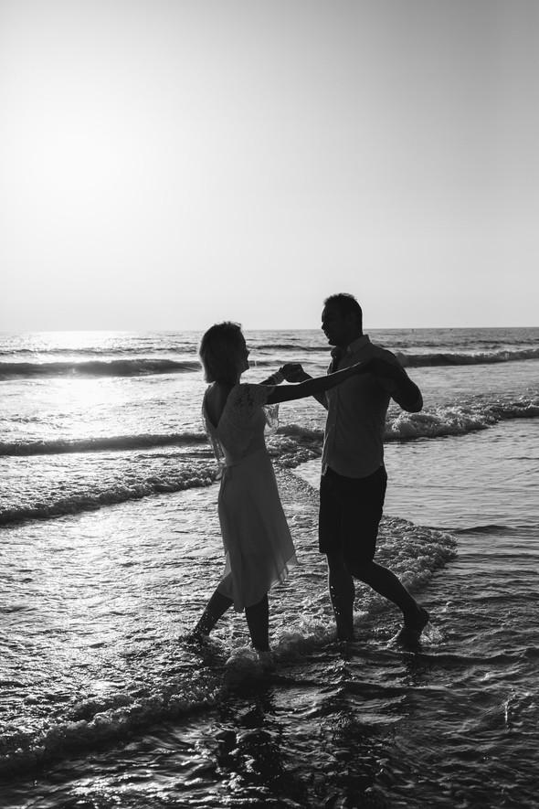 Пляжная послесвадебная съемка и Испании - фото №12