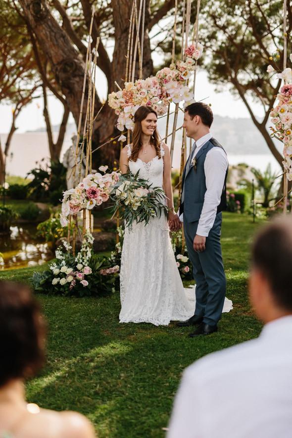Красивая испанская свадьба на побережье - фото №43