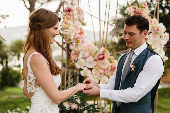 Красивая испанская свадьба на побережье - фото №45