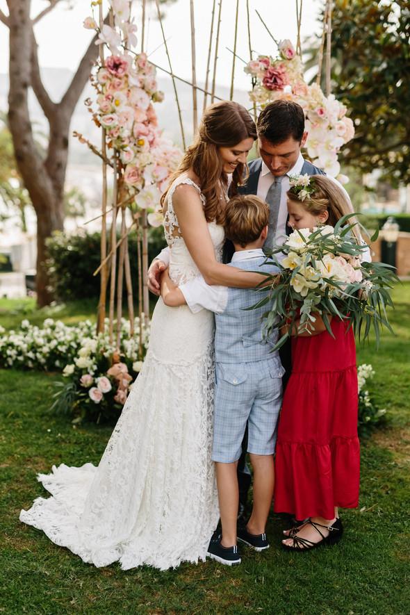 Красивая испанская свадьба на побережье - фото №52