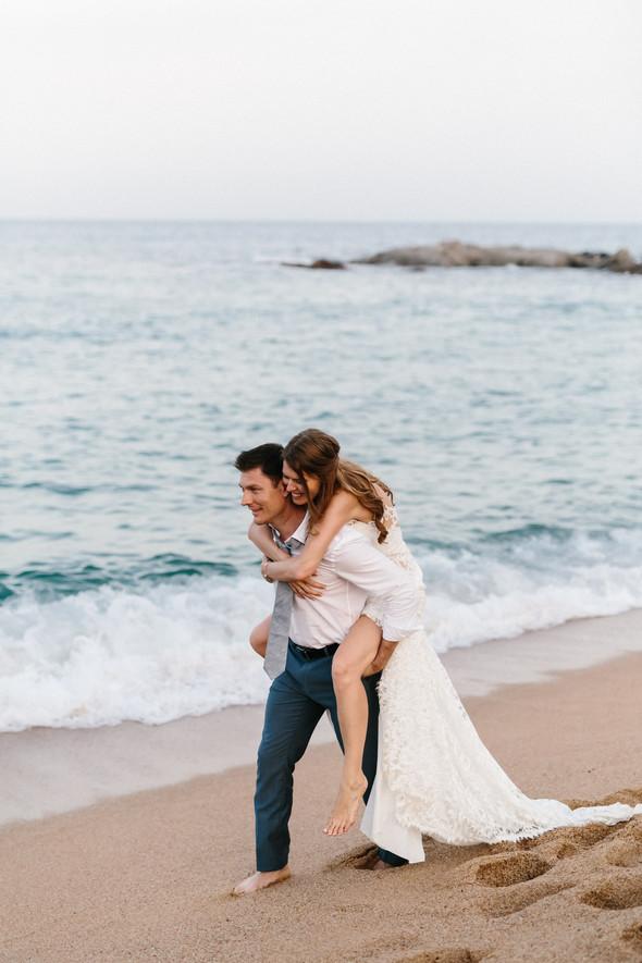 Красивая испанская свадьба на побережье - фото №86