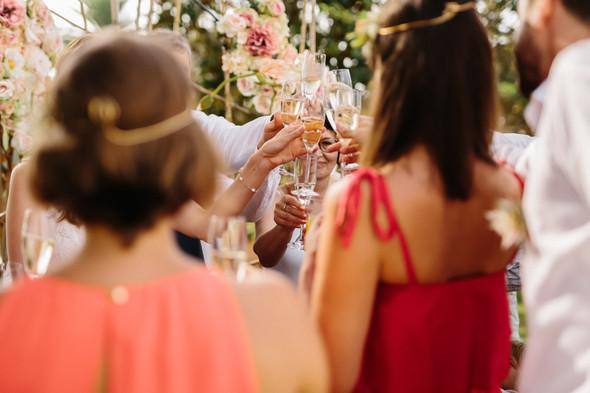 Красивая испанская свадьба на побережье - фото №59