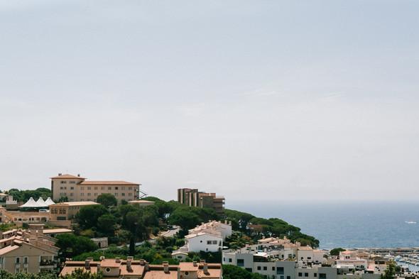 Красивая испанская свадьба на побережье - фото №1