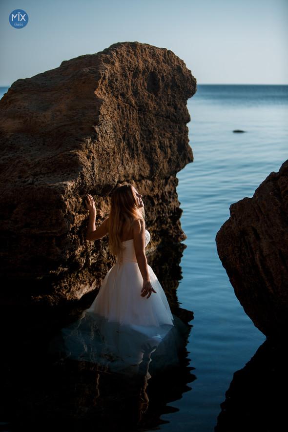 Свадебный рассвет у моря - фото №11