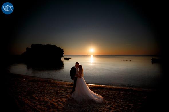 Свадебный рассвет у моря - фото №1