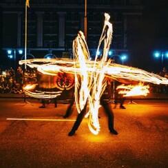 Фаер шоу, Огненное шоу, Огненный театр Делоникс - артист, шоу в Кривом Роге - фото 2