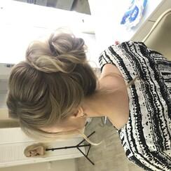 Стилист по причёскам - стилист, визажист в Запорожье - фото 1