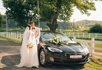 Володимир Весільне авто Tesla model S - фото 1