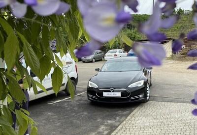 Володимир Весільне авто Tesla model S - фото 2