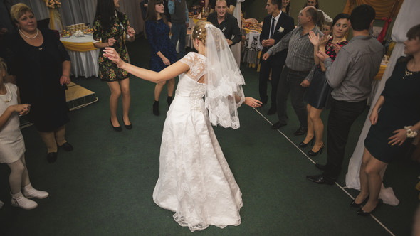 Свадьба свадьбой, а сон по расписанию - фото №29
