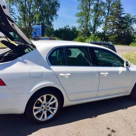 Skoda Superb white 4X4 - авто на свадьбу в Днепре - портфолио 5