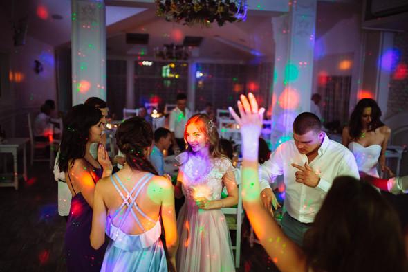 Милая семейная свадьба - фото №43
