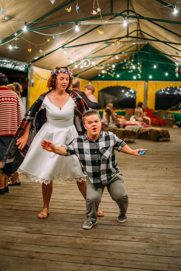 Теплая свадьба теплых людей - фото №24