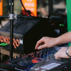Юрій  Маринко - музыканты, dj в Киеве - фото 1