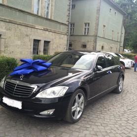 Mercedes S-class Чорна і біла - авто на свадьбу в Хусте - портфолио 1