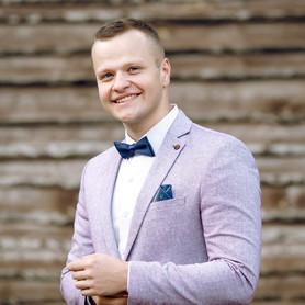 Ведущий Ведущий Андрей Шпак