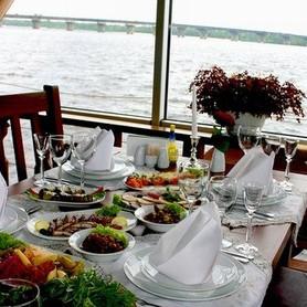 Ресторан для свадьбы на воде «Замок Выдубичи» - ресторан в Киеве - портфолио 3