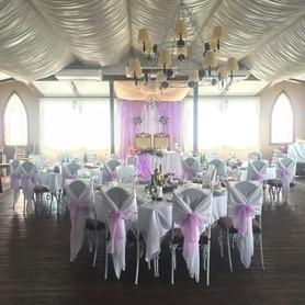 Ресторан для свадьбы на воде «Замок Выдубичи» - ресторан в Киеве - портфолио 6