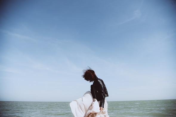 between us - фото №2