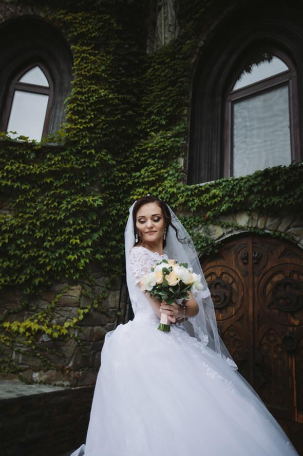 Свадьба в замке - фото №22