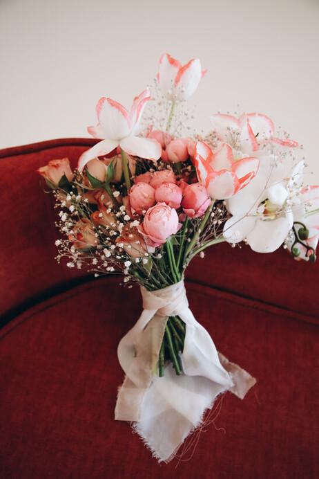 More Flowers & Decor
