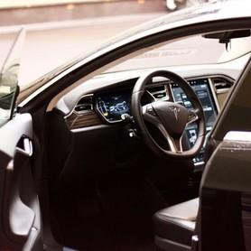 TESLA Model S90d - авто на свадьбу в Киеве - портфолио 4