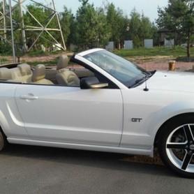 FORD MUSTANG GT Cabriolet - авто на свадьбу в Киеве - портфолио 4