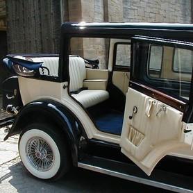 CADILLAC Al Capone - авто на свадьбу в Киеве - портфолио 3