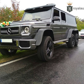 Лимузин Кубик 6х6 - авто на свадьбу в Черновцах - портфолио 1
