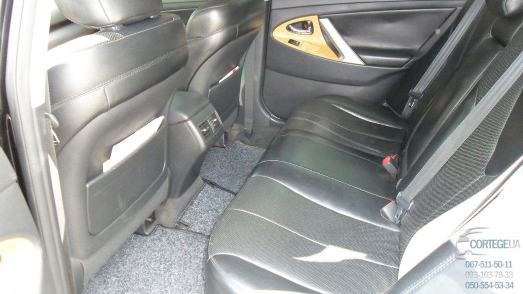 Toyota Camry черная