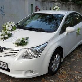 Toyota Avensis белая  - портфолио 3