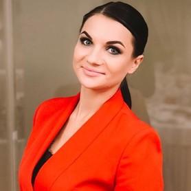 Анна Коренева