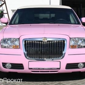 Рожевий Лімузин Крайслер С300 - авто на свадьбу в Ивано-Франковске - портфолио 2