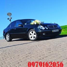 Мерседес 211 - авто на свадьбу в Виннице - портфолио 4