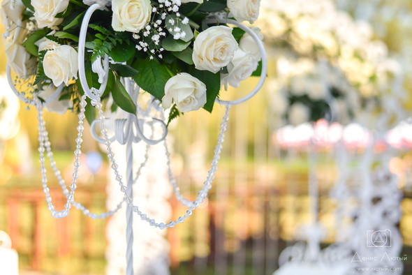 Красивая свадьба в классическом стиле Юлии и Виталия - фото №21